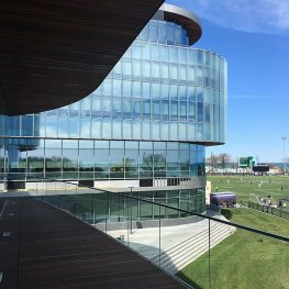 Seismic Colorseal-DS Expansion Joints are able to stand up against high winds and strong weather at the Kellogg School of Management at Northwestern University.
