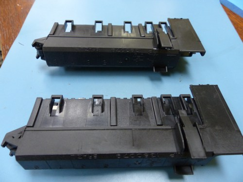 small resolution of amp 1599962 1 qty of 2 per lot maxi fuse box with jcase assy ebay rh
