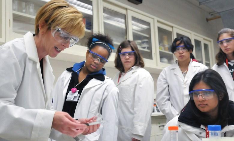 medical-science-teacher