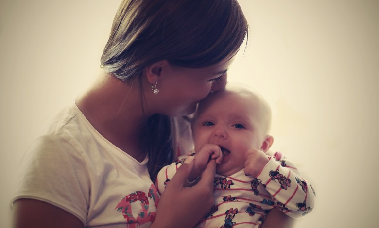 how to find a surrogate mother