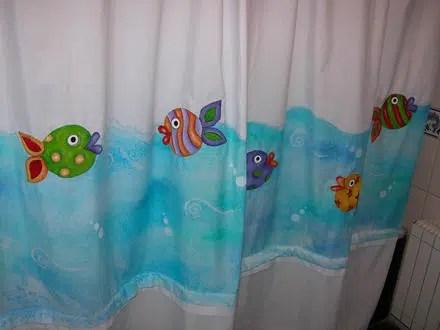Cómo pintar un bonita cortina de baño