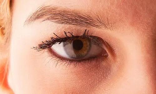 Consejos para cuidar la piel debajo de los ojos