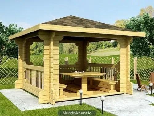 Decoración de exteriores. Cenadores de madera