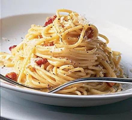 Diferentes platos preparados con pasta