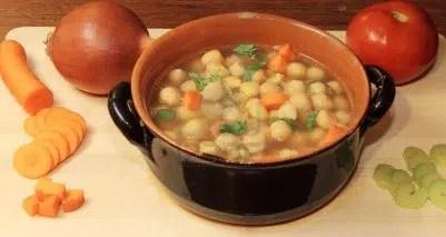Guiso de garbanzos con verduras