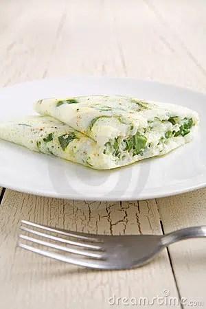 Ligera y nutritiva: Tortilla de claras y espinaca.