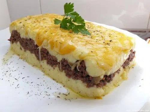 Pastel frío de patatas con carne