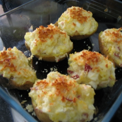 Patatas con jamón york gratinadas