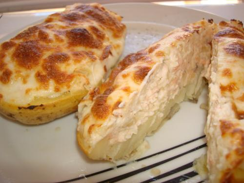 Patatas rellenas de salmón y queso