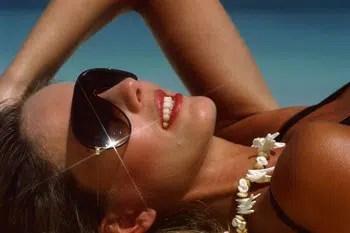 ¿Qué causa las manchas en la piel?