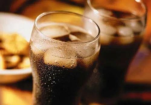 Tres razones sorprendentes para dejar de beber refrescos