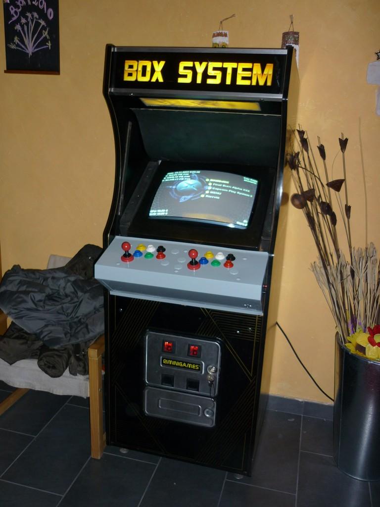 Simones Blog  Cabinato Arcade con XBOX e monitor 15 Khz