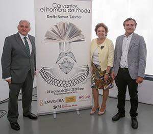 """Acto de presentación de """"Cervantes, el hombre de moda"""" con Carmen Castreño, Felipe Castro y Francisco Valderrama."""