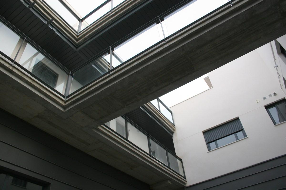 Convocatoria para adjudicar una vivienda en alquiler, con taller vinculado, en la calle San Luis.