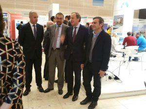 Felipe Castro, a la derecha de la imagen, en la inauguración de Welcome Home.
