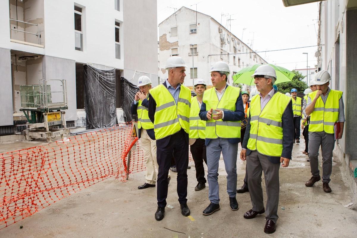 """Las obras de las nuevas viviendas de """"Los Pajaritos"""" culminarán en octubre. Previamente Emvisesa iniciará los contactos con las familias realojadas."""