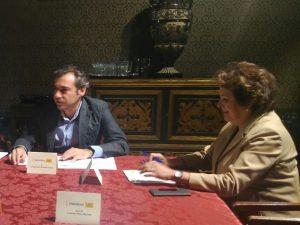 Carmen Castreño y Felipe Castro en un momento de la sesión del Consejo de Administración de Emvisesa celebrado esta mañana.