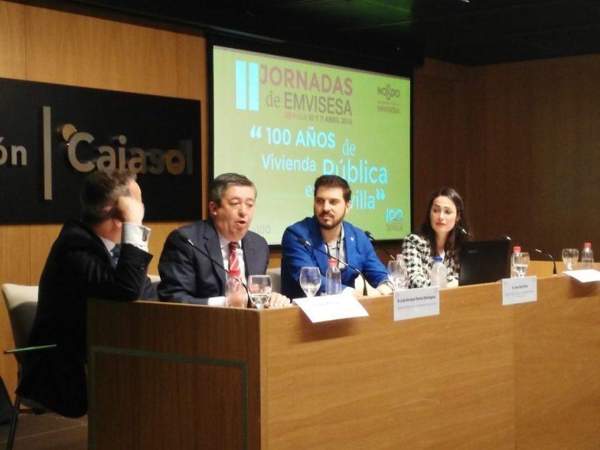 """Julio Pino García, Luis Enrique Flores, Joan Güell y Rocío García, en """"La contratación del sector público en la nueva Ley de Contratos""""."""