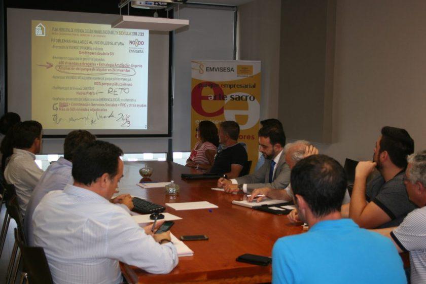 Un momento de la presentacion del PMVS a la Mesa Ciudadana.