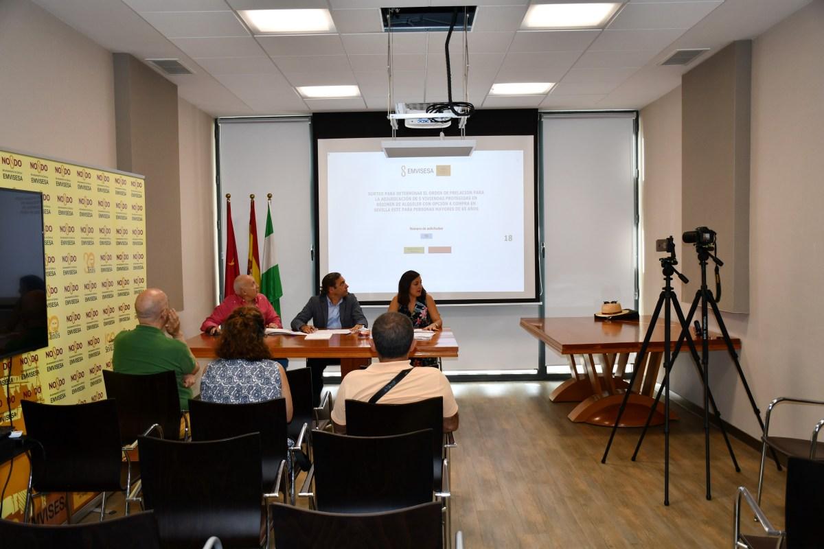 Resultado del sorteo de Emvisesa para adjudicar 14 viviendas protegidas en régimen de alquiler con opción a compra en el edificio de Sevilla Este, manzana M.C-1.2