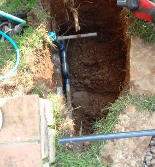埋設用配管開始