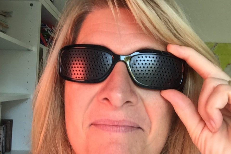 J'ai testé les lunettes sténopéïques ou lunettes à trous