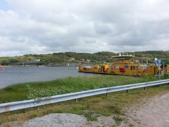 Bac pour quitter l'île de Malö
