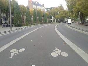 Piste cyclable séparée Nantes