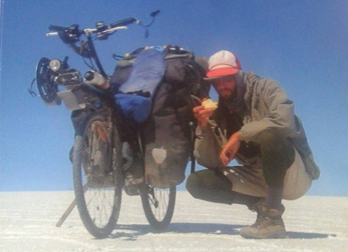 un vélo couché à la découverte du monde
