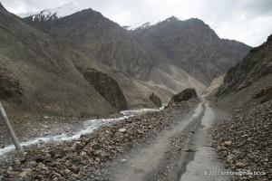 Un passage délicat de la Karakoram Highway