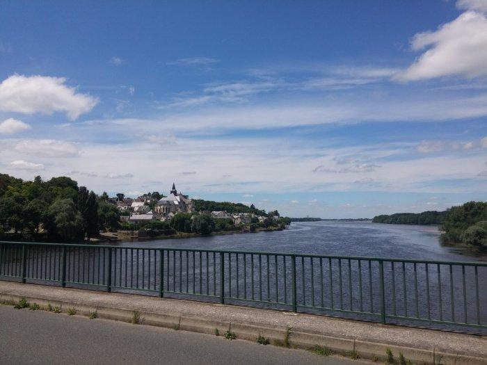 Candes-Saint-Martin vue du pont