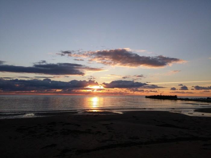 Le coucher de soleil sur la Baltique