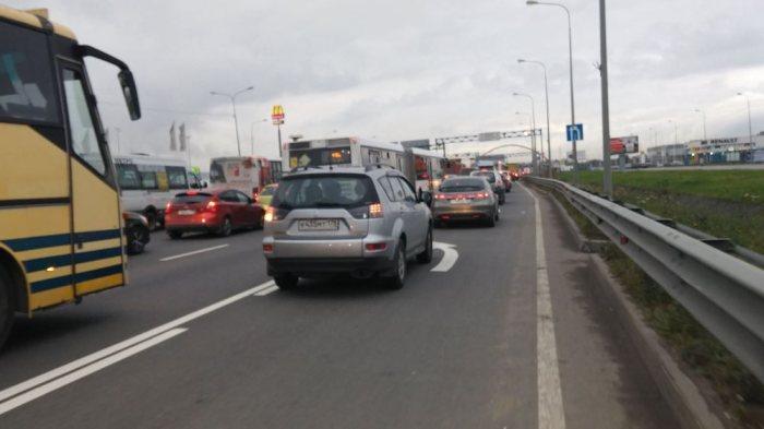 Trafic à l'entrée de Saint-Pétersbourg