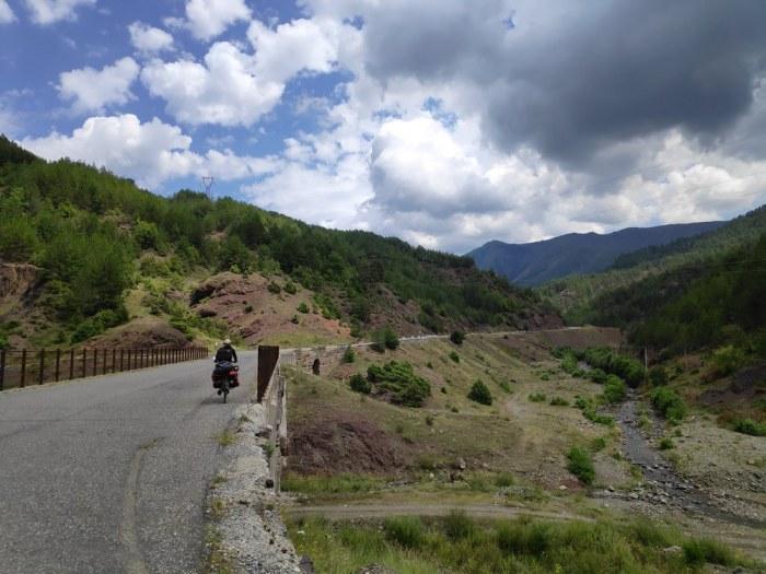 route-montagnes-velo-albanie