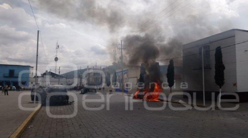 Violencia en Amozoc; habitantes exigen destitución del alcalde