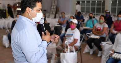 Entregan 175 despensas a familias de San Andrés Cholula