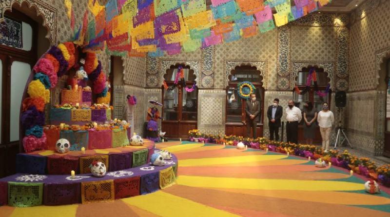 Con colorida ofrenda monumental, Congreso se suma a festejo de Día de Muertos