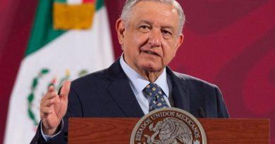 INE aprueba proyecto que impide a AMLO hablar de temas electorales