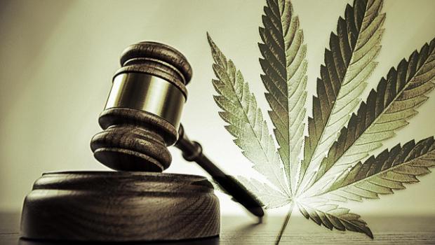 California busca prohibir test de consumo de marihuana para empleos