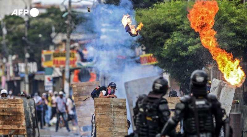 ¿Qué sucede con la violencia en las protestas de Colombia?
