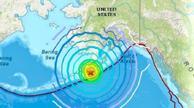 Terremoto de 8.2 sacude Alaska y destruye caminos