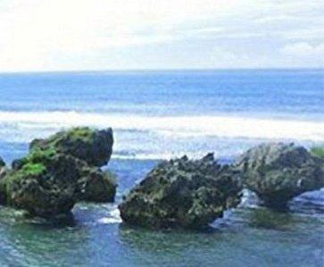 Watu Bolong Beach