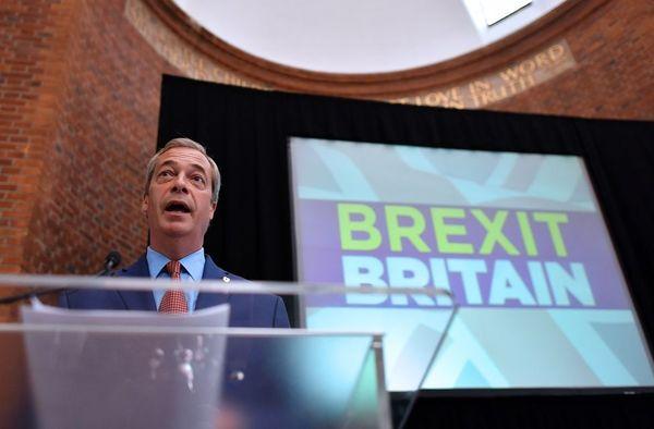 約翰遜法拉奇紛求去 英脫歐派丟下爛攤子