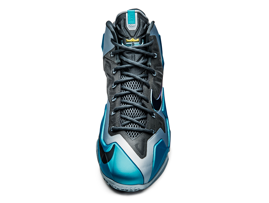 nike-lebron-11-gamma-blue-officially-unveiled-10