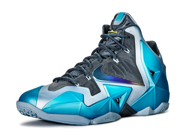 nike-lebron-11-gamma-blue-officially-unveiled-3