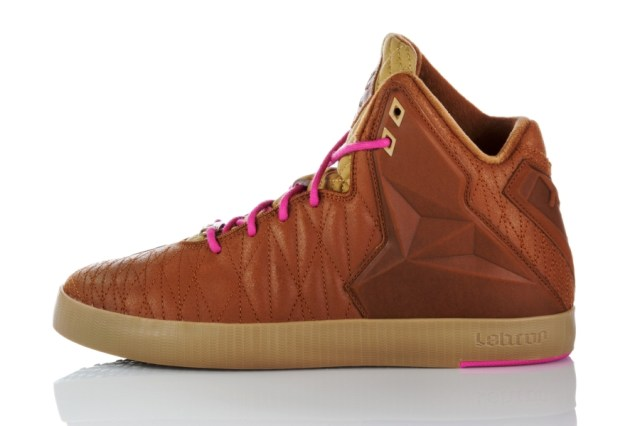 nike-lebron-11-nsw-lifestyle-official-images-14