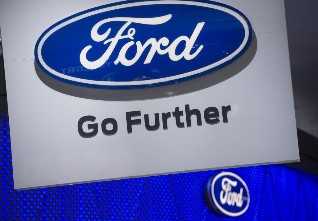 ford to cut 7