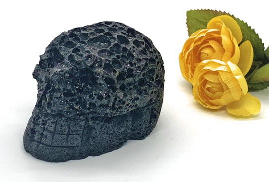 Large Lava Stone Skull