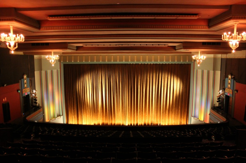 Re-Live The Classics At Melbourne's Historic Astor Theatre