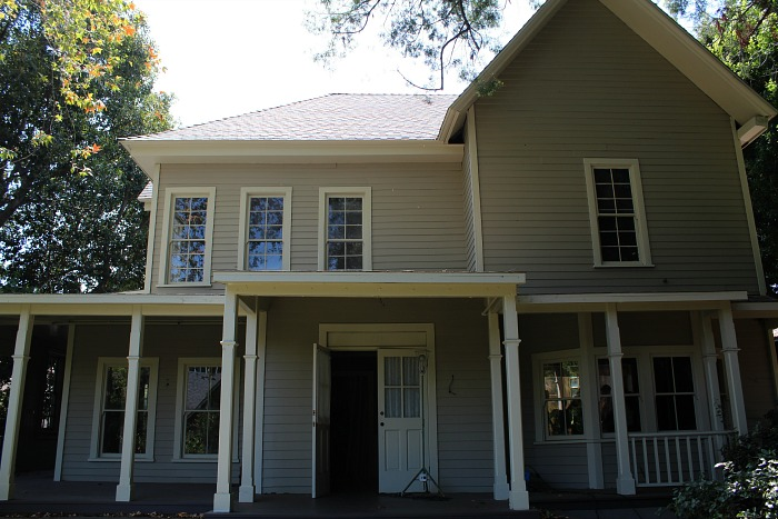 Lorelai's House , Warner Bros. Set Tour